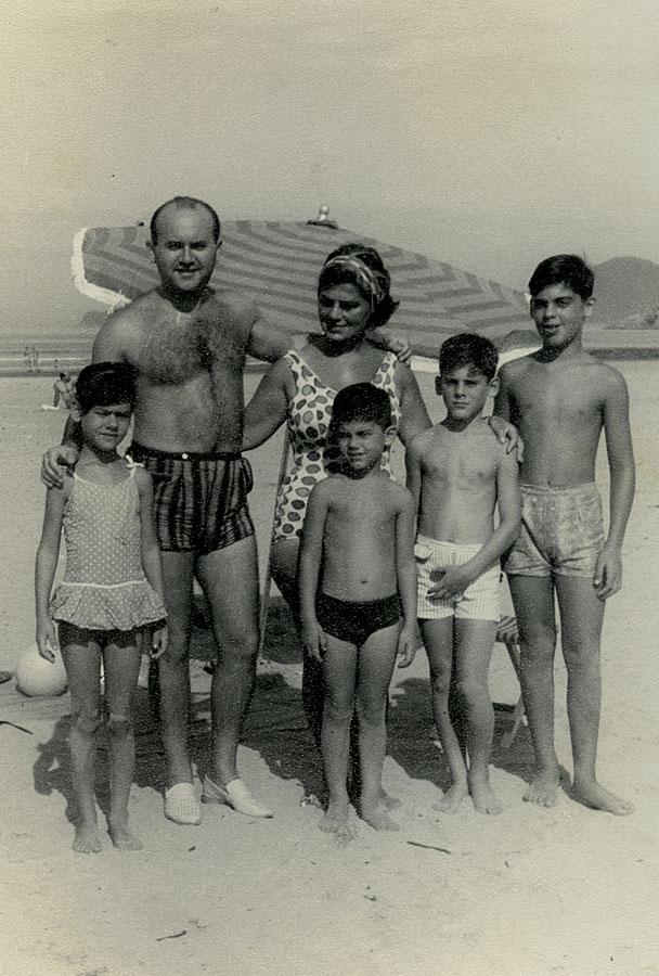 Família  reunida em Santos (SP), em maio de 1964