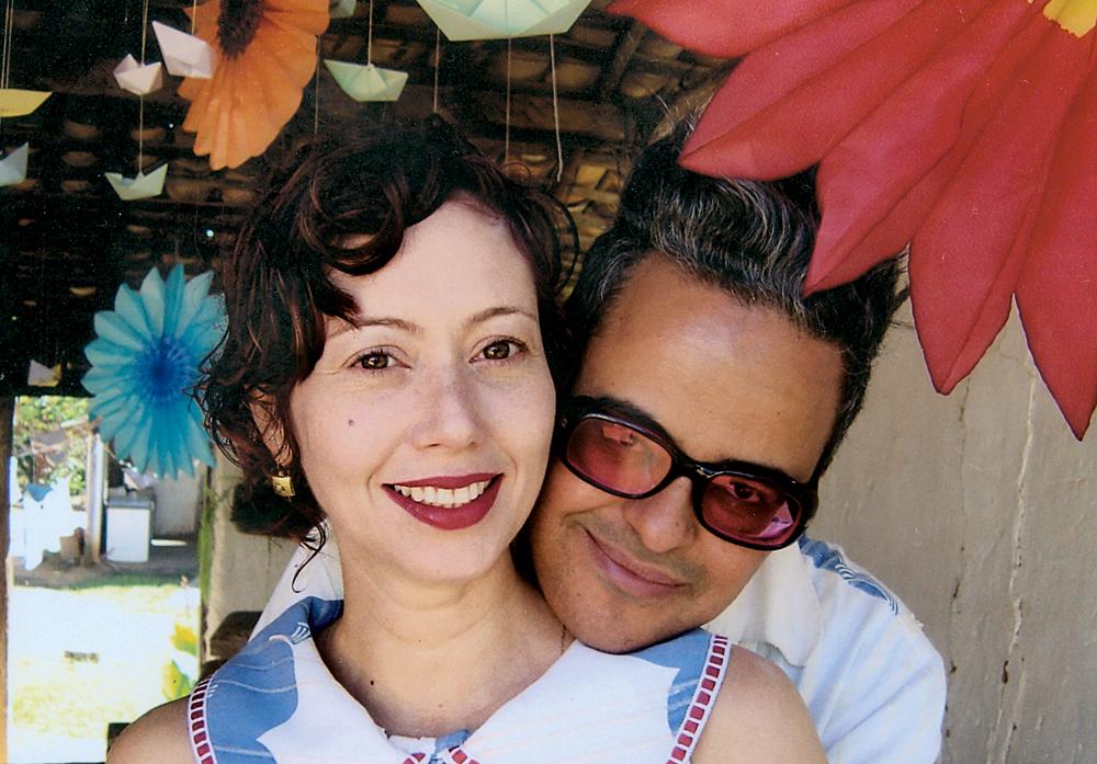 Com a mulher, Ivana, na fazenda da família, em Montes Claros (MG), em 2004
