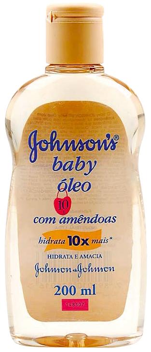 Fica a dica: 'Criei um truque de passar meia gota de óleo de amêndoas da Johnson&Johnson nas pontas do cabelo, antes de entrar no banho. Dá aquele brilho'