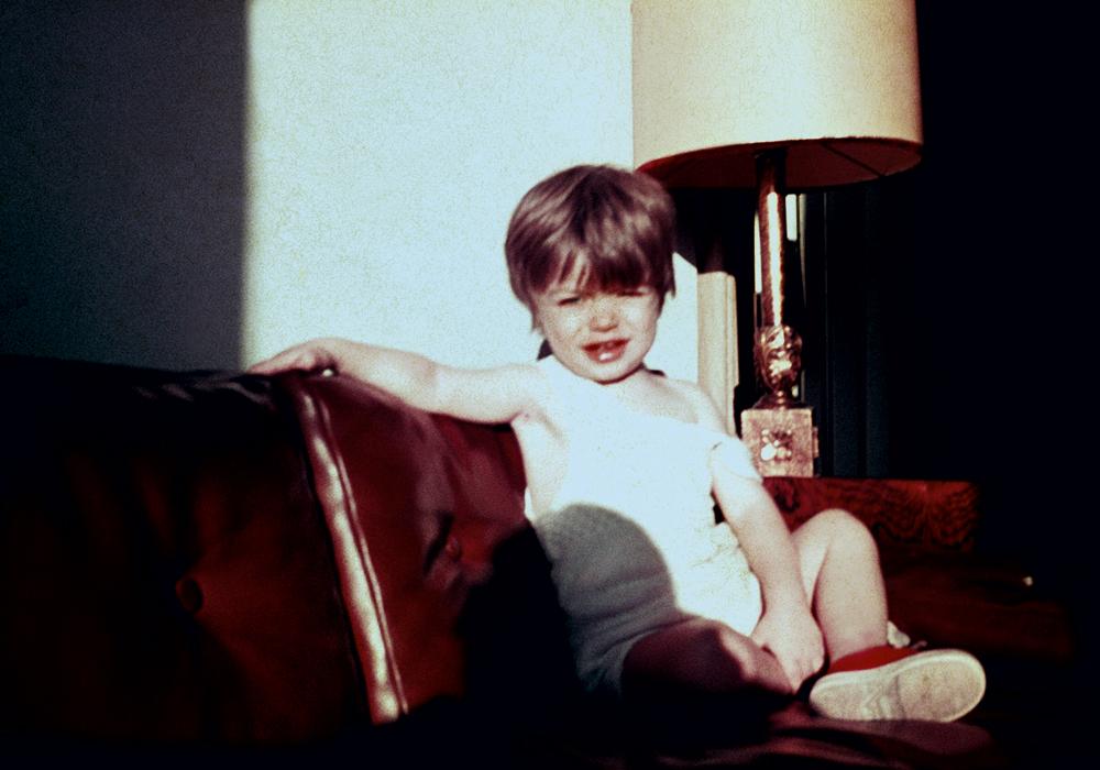 Fabio ainda criança. É fácil notar a semelhança com o filho João, 9 anos