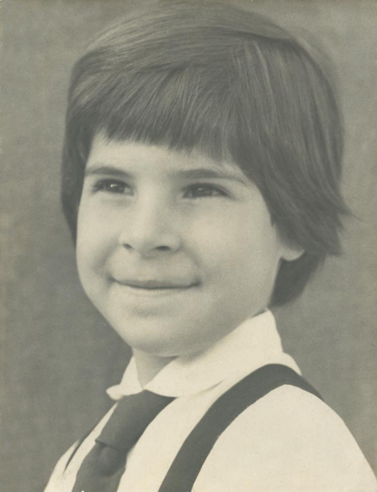 Kika aos 8 anos, em foto do Colégio  Bennett, em 1960