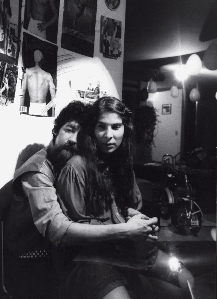 Raul e Kika Seixas, em 1984, no apartamento do Itaim, em São Paulo