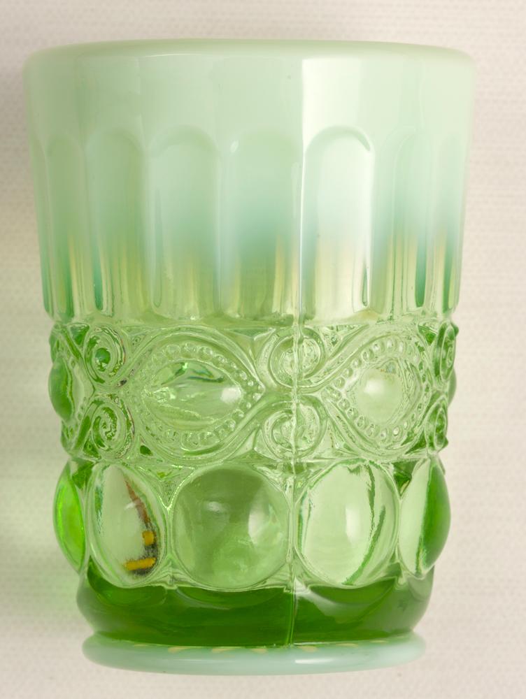 """4. Copo """"Adorei a mistura do vidro cristalino com o leitoso."""""""