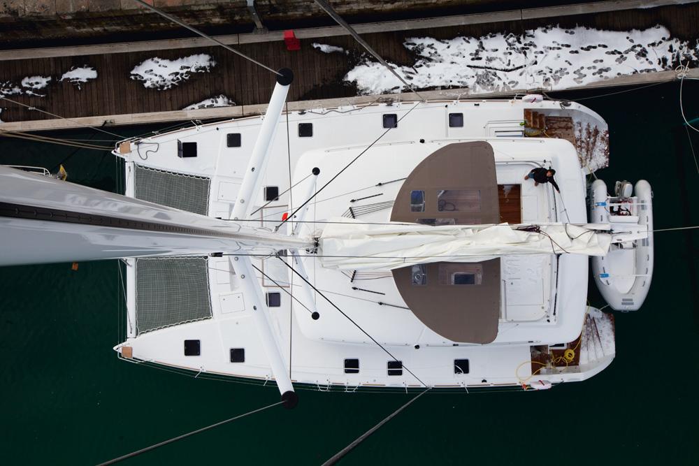 o catamarã de 56 pés em que o grupo fez a travessia