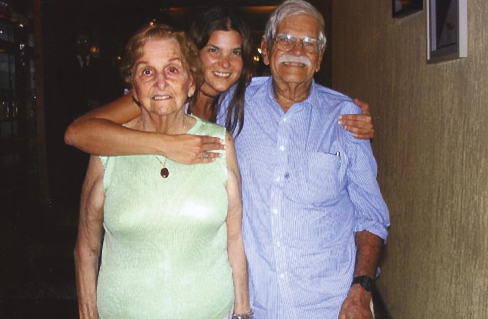 Momento família com os pais, Oscar e Eugenia