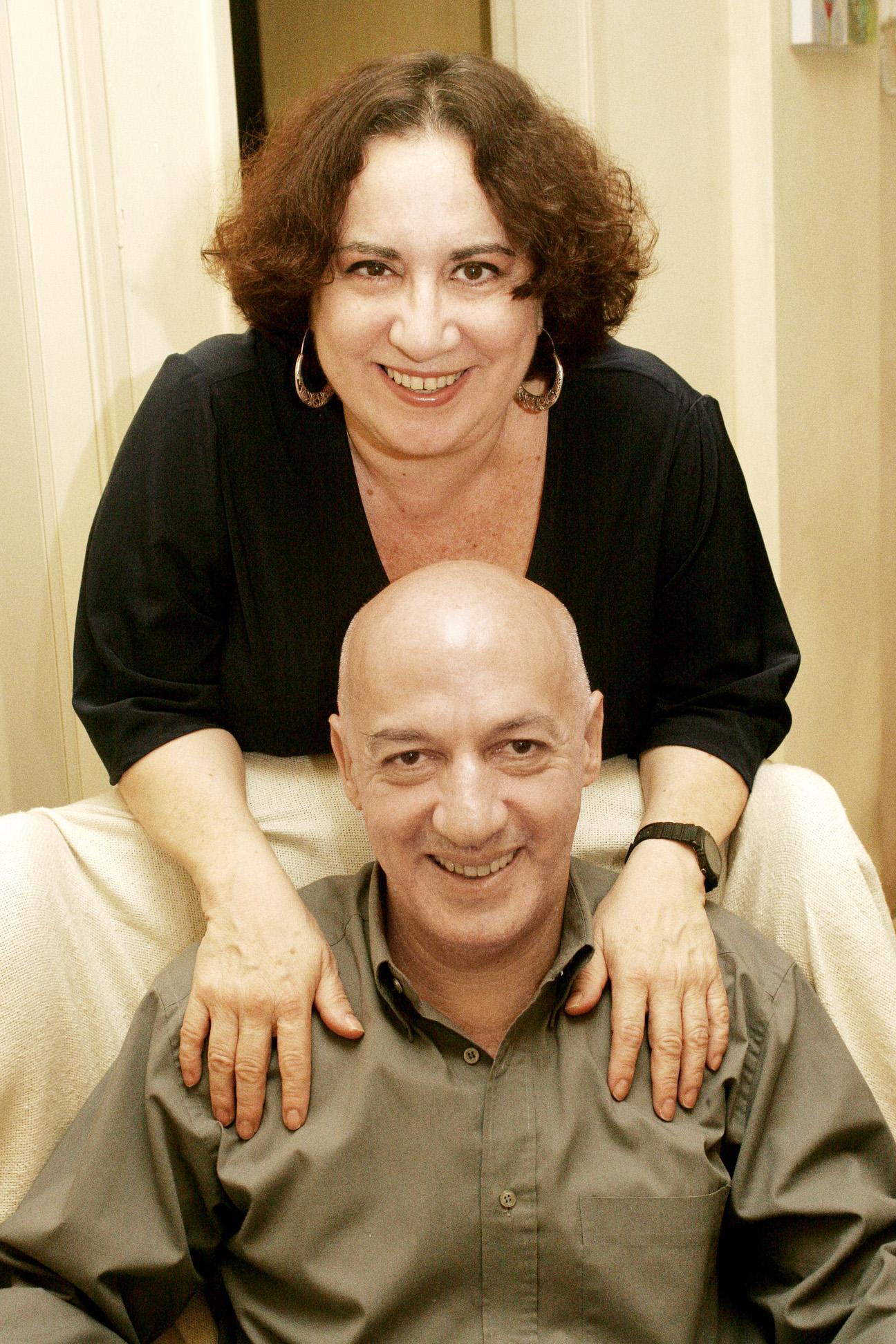 Com o atual marido, o escritor Flávio Braga. Juntos, eles escreveram cinco livros