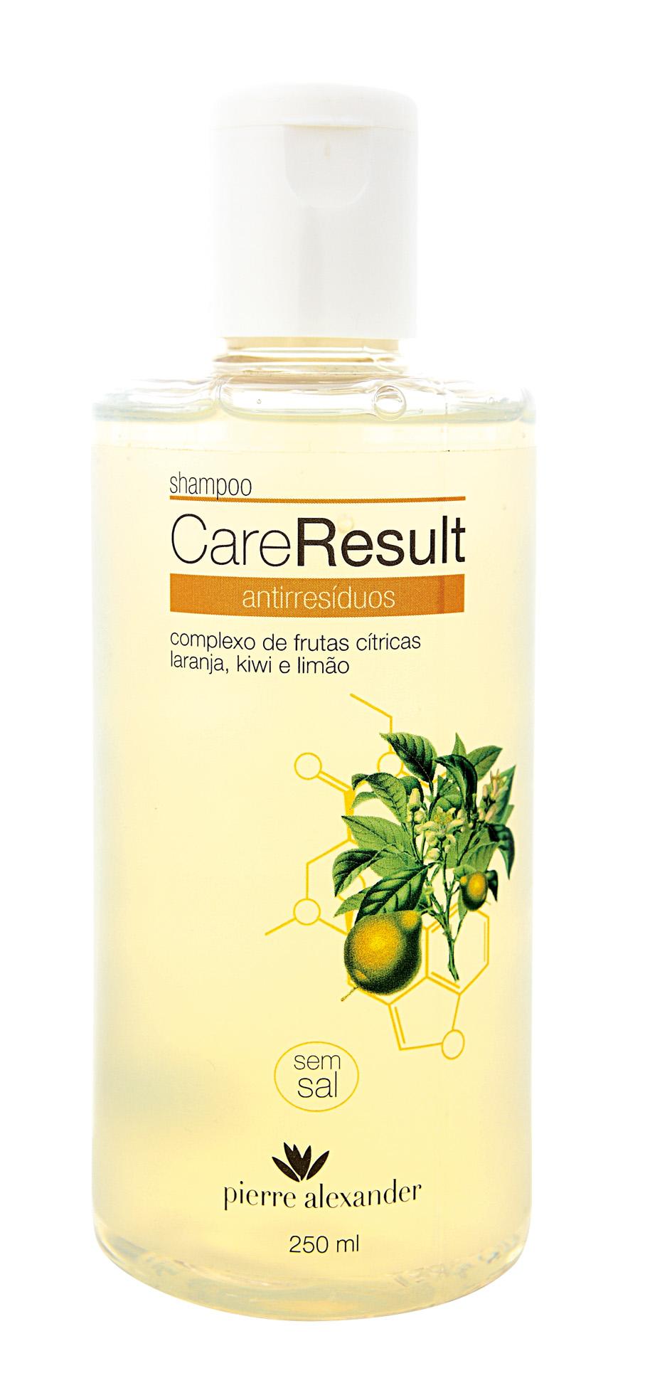 Profundo - O novo xampu antirresíduos da linha CareResult, da Pierre Alexander, pode funcionar para vários tipos de cabelo. Em fios mais carregados, ele pode ser usado uma vez por semana, e nos secos, de 15 em 15 dias. Ele também promete não afetar a cor dos cabelos pintados. Como este tipo de produto promove limpeza profunda, em alguns casos o ideal é aplicar uma máscara de hidratação após o uso, para que ela reponha os nutrientes perdidos. Vai lá: R$ 18. 0800-6448800