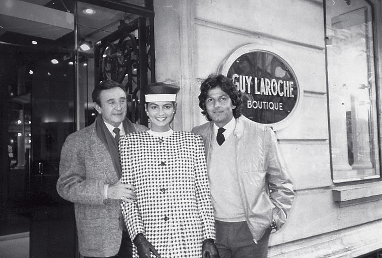 Com Guy Laroche, em frente a sua loja