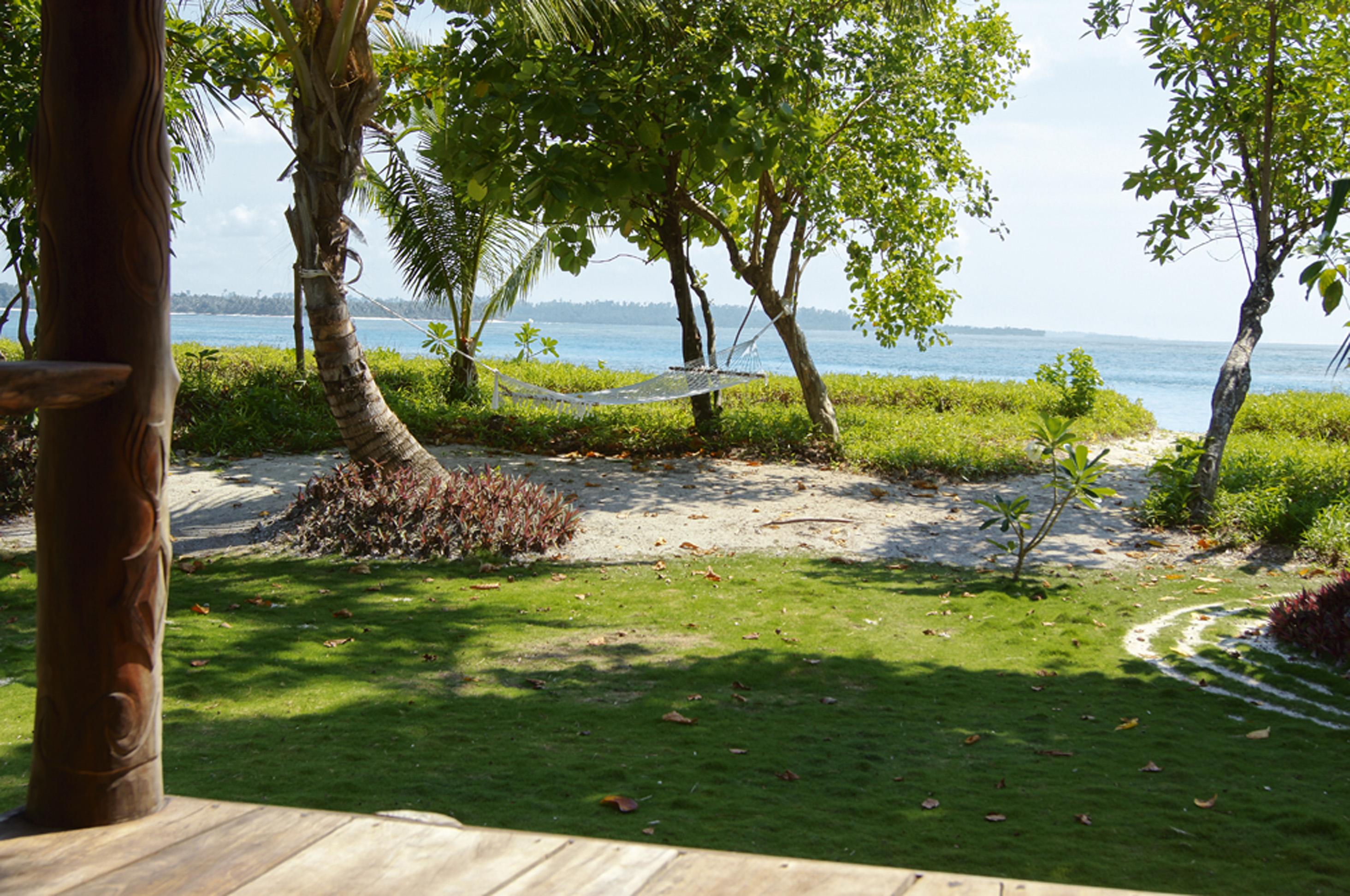 Mentawai, Sumatra, Indonésia - As praias do arquipélago Mentawai são paradisíacas e desertas. Ideais para quem quer se isolar do mundo e não ver ninguém