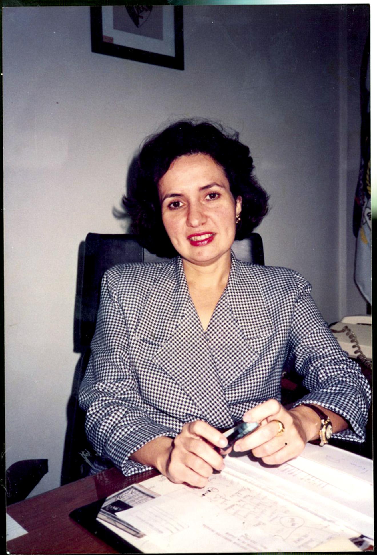 Na DGPE (Delegacia Geral de Políca Especial), em 1993, onde era diretora