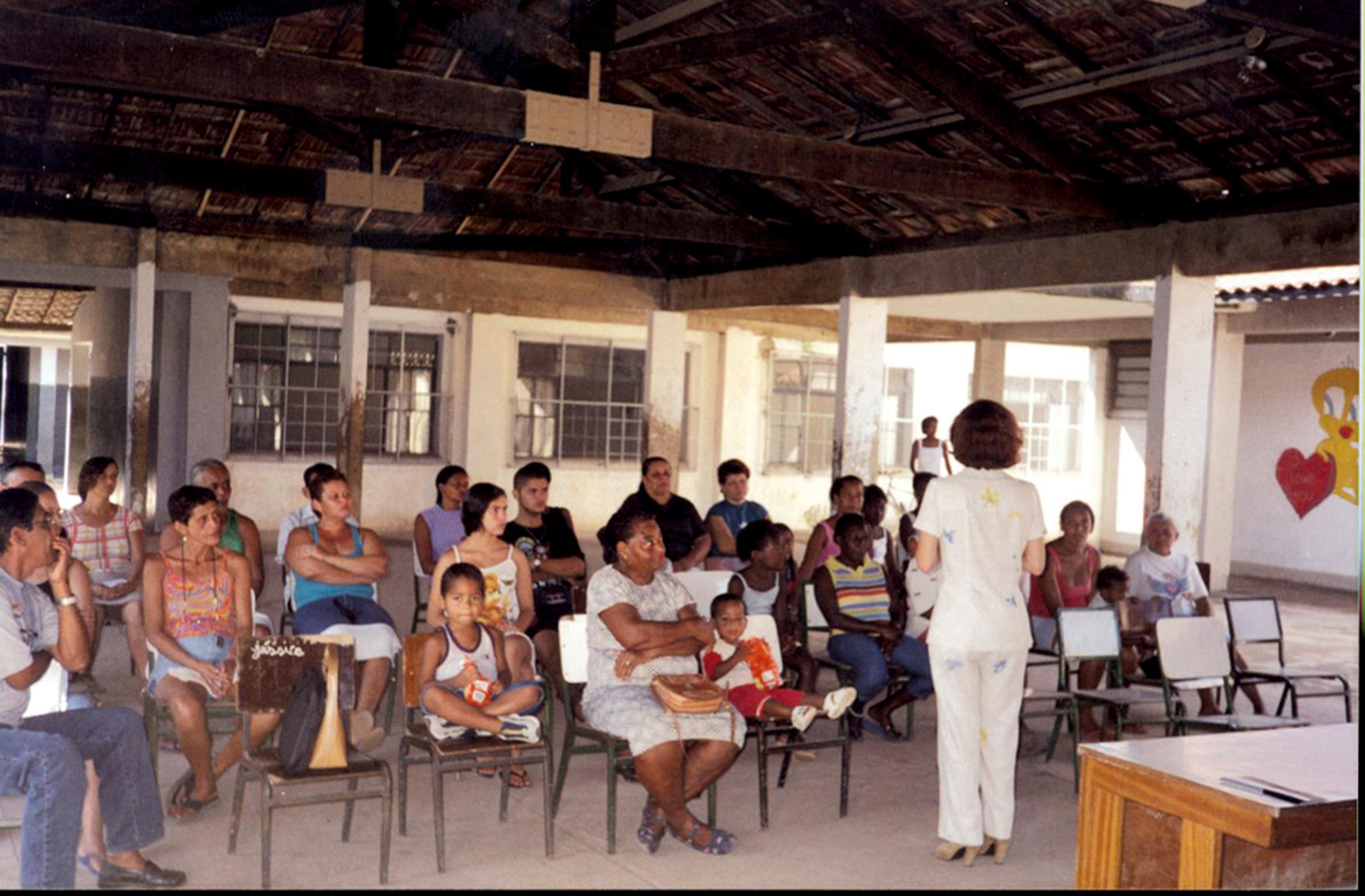 Dando uma palestra em uma comunidade de Nova Iguaçu (RJ)