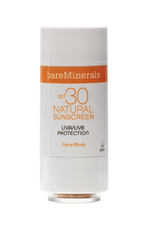 Natural Sunscreen FPS 30, R$ 129: disponível em três tons, possui uma fórmula em pó recomendada para todos os tipos de pele. bareMinerals atendimento@bareminerals.com.br