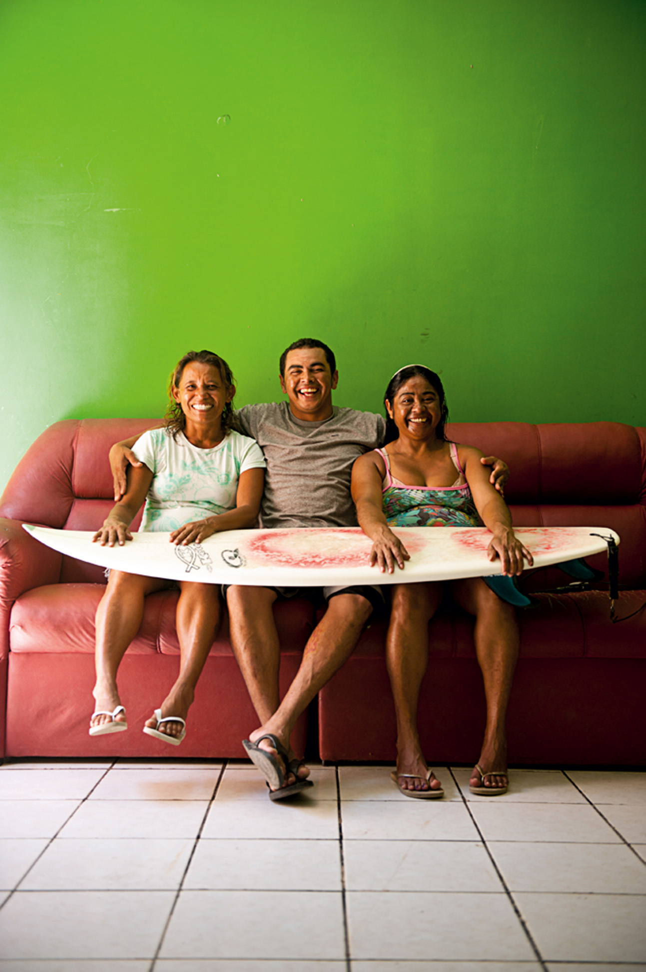 Na casa que divide com Solange e o filho dela, Paulo