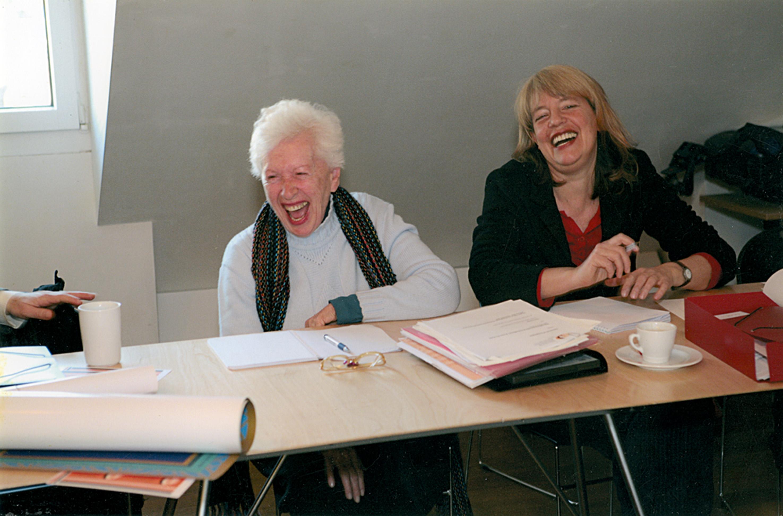 na Suíça, trabalhando no projeto que nomeou mil mulheres ao Nobel da Paz, em 2005