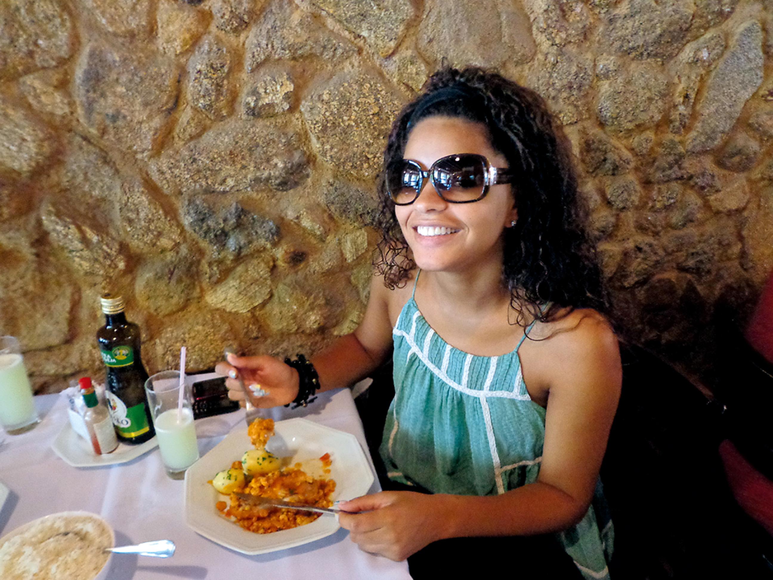 12:45 - No almoço, prefiro arroz integral, peixe ou frango, nada de carne vermelha. Hoje a tarde é livre, então...