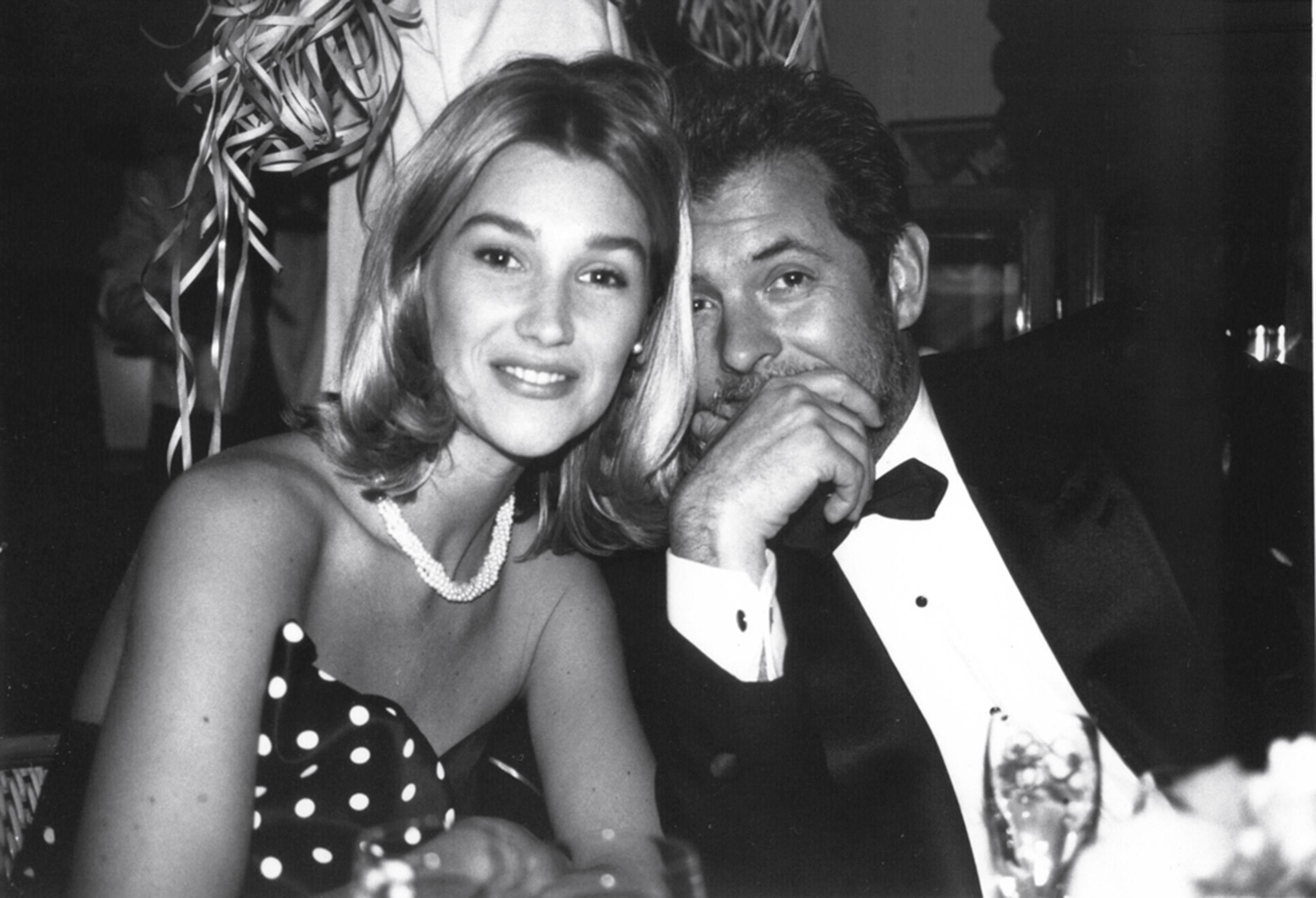 Em Nova York, com a mulher, Alexandra, nos anos 90