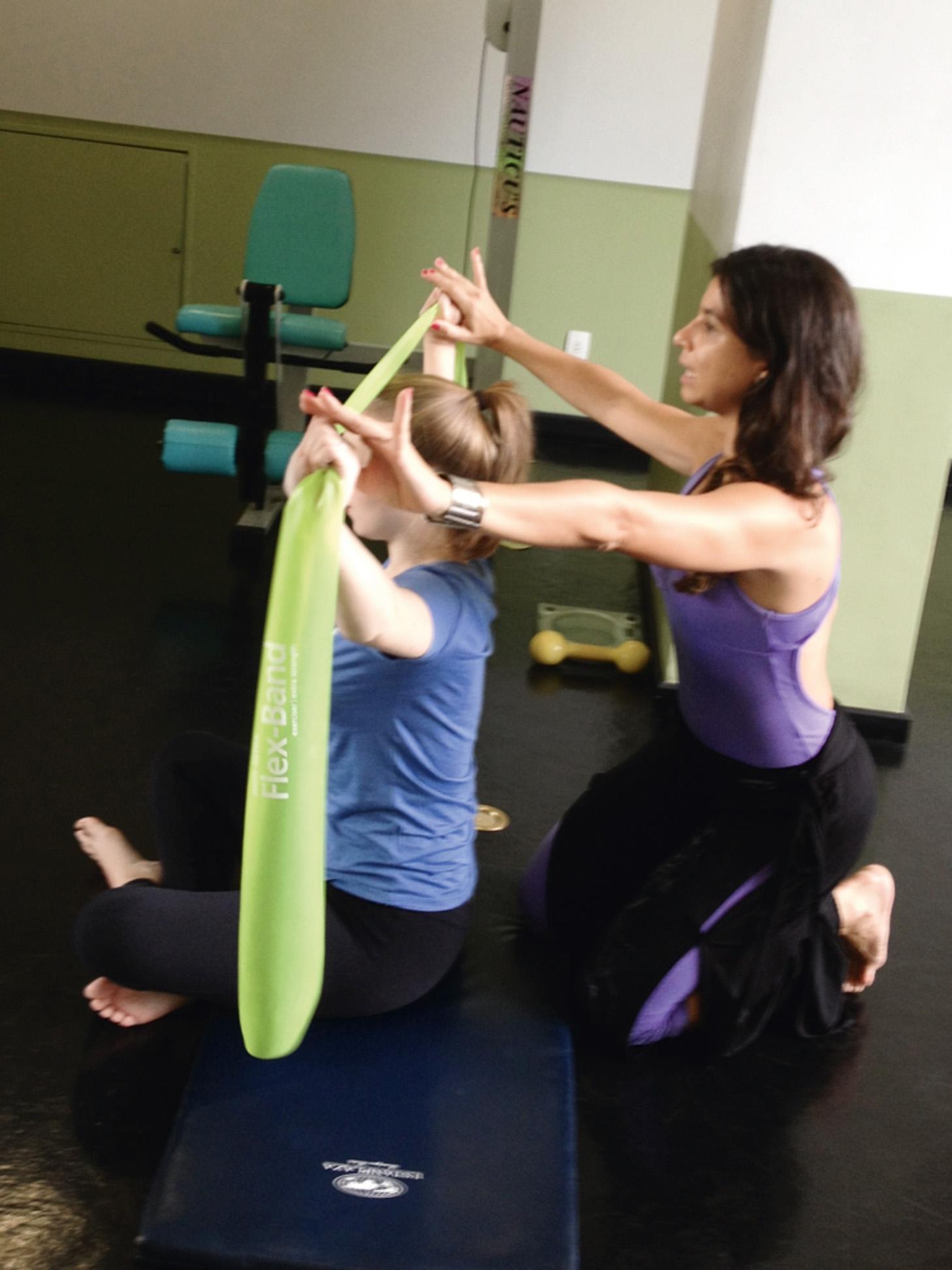 """11:00 - """"Pilates na academia do hotel com Bianca Andreoli, amiga de O Mágico de Oz."""""""