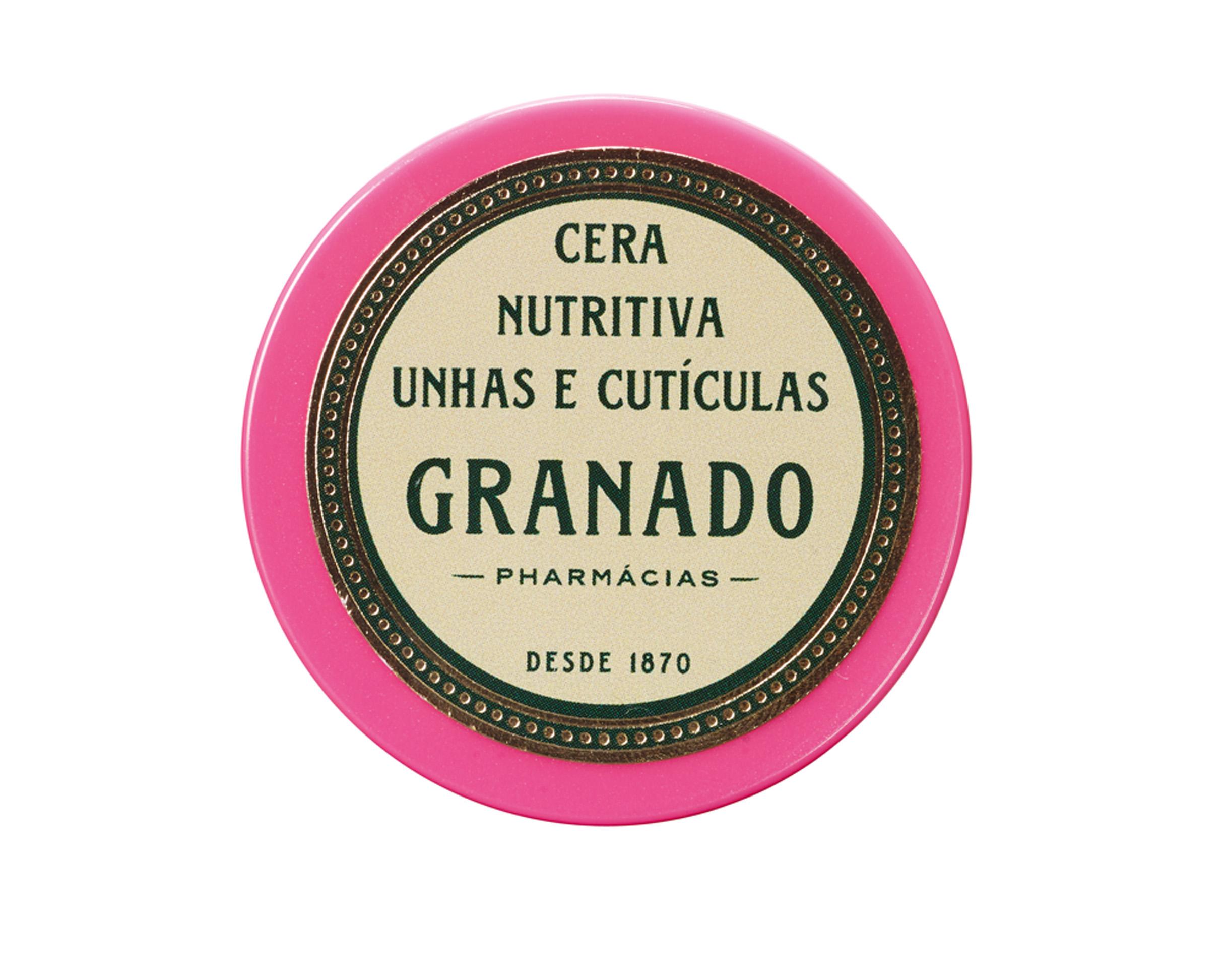 """Na ponta dos dedos """"Adoro a Cera Nutritiva, da Granado, porque hidrata as cutículas e também deixa as unhas mais fortes"""""""