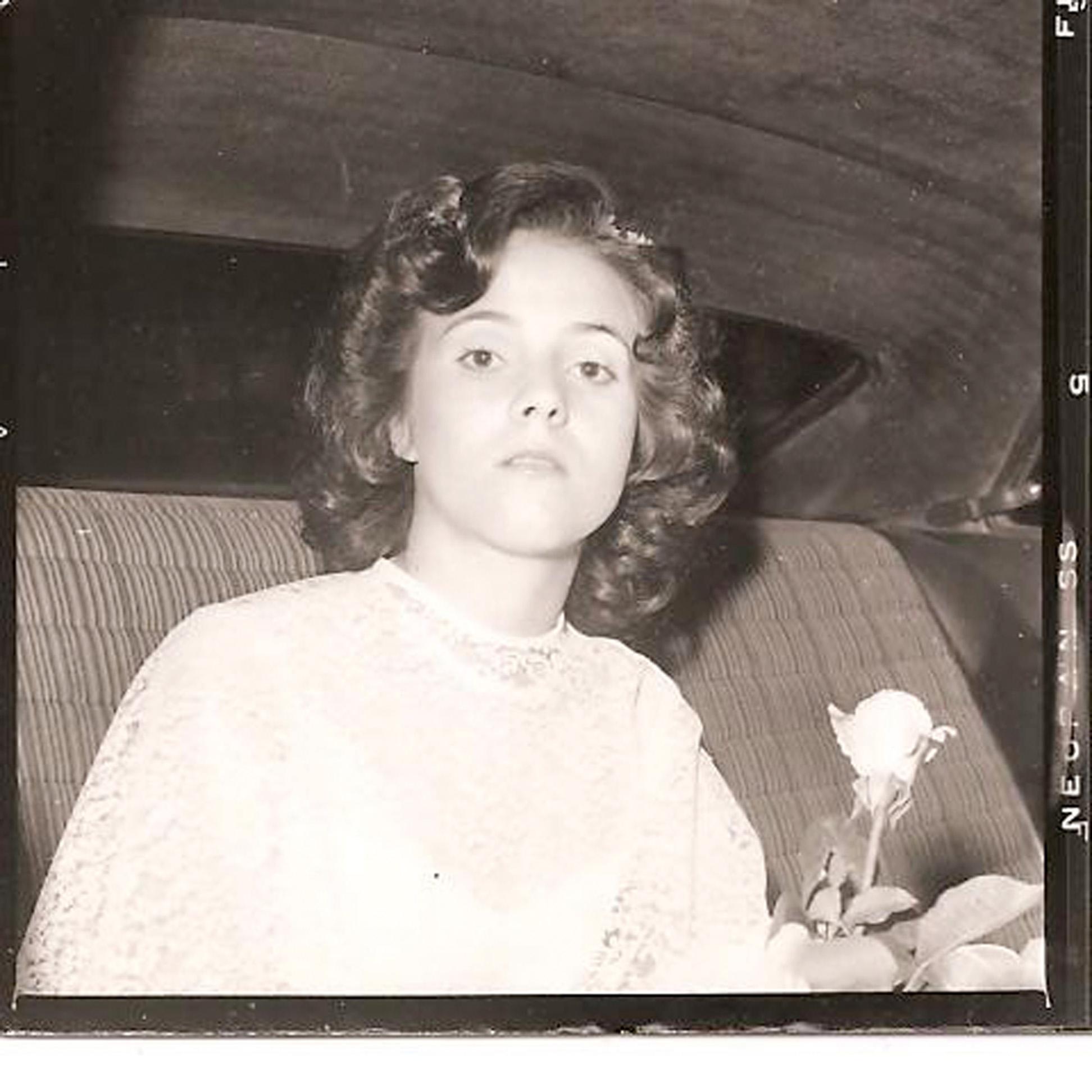 Cenas do primeiro casamento, em setembro de 1978: sozinha
