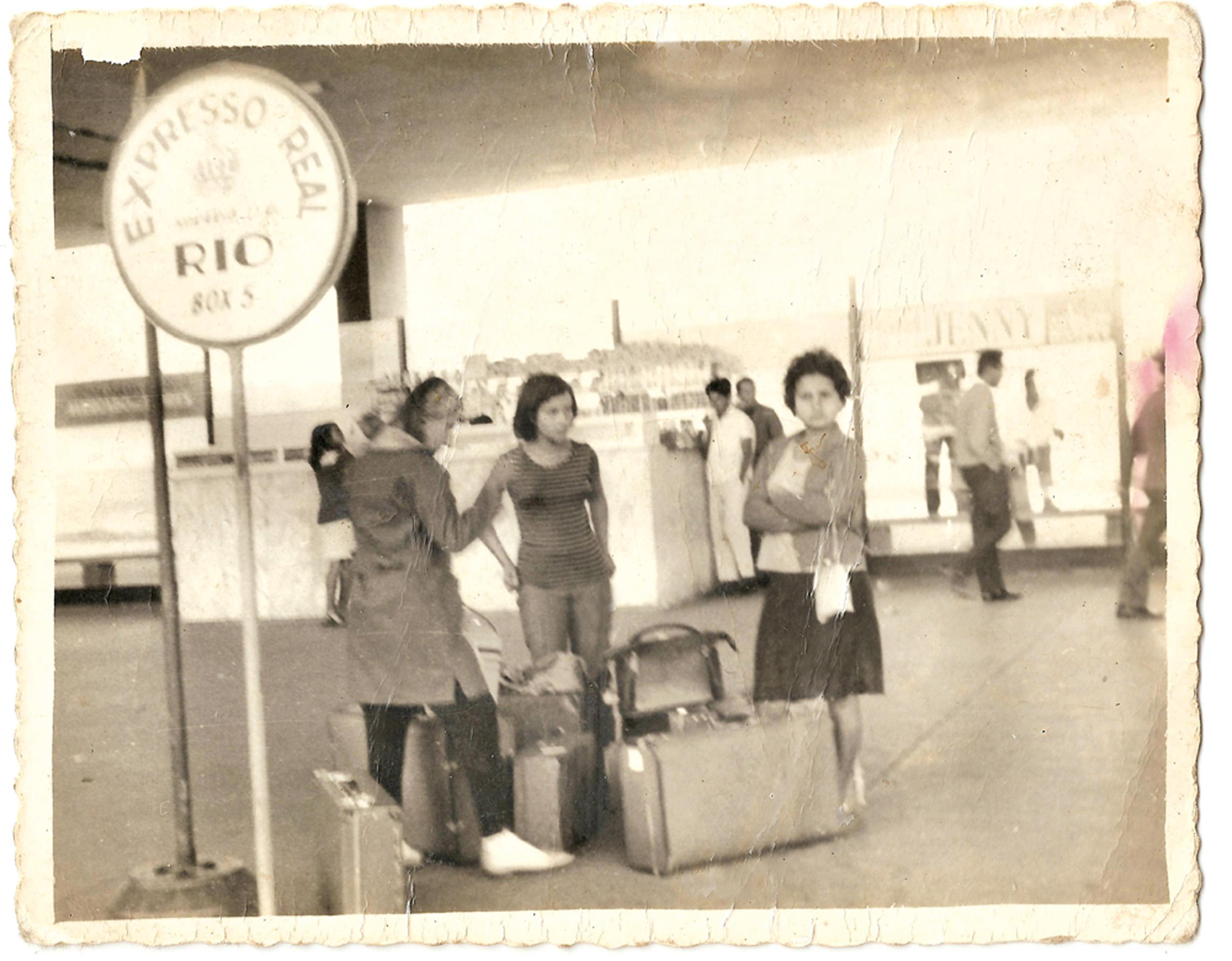 Delaíde em viagem ao Rio de Janeiro para participar do Congresso Latino-americano de jovens da Zona Rural, em 1966