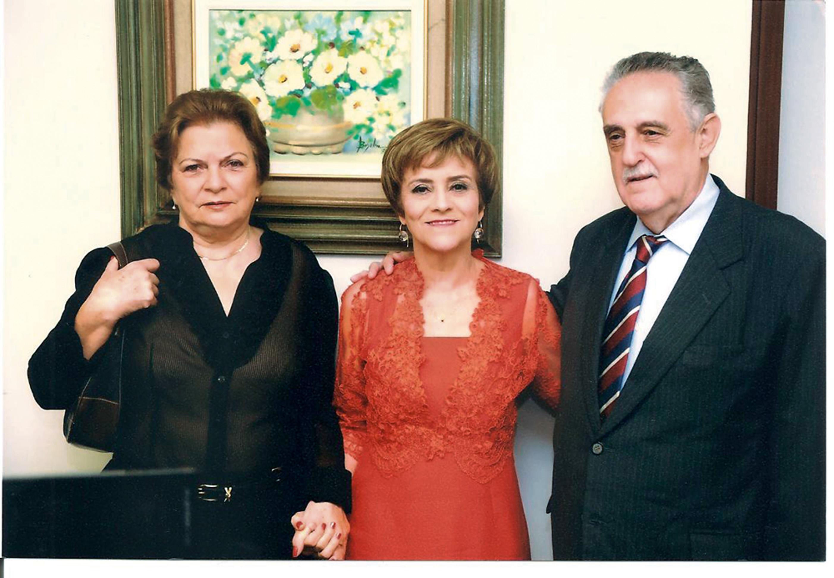 Com Hélio e Sueli, seus ex-patrões e padrinhos do primeiro casamento
