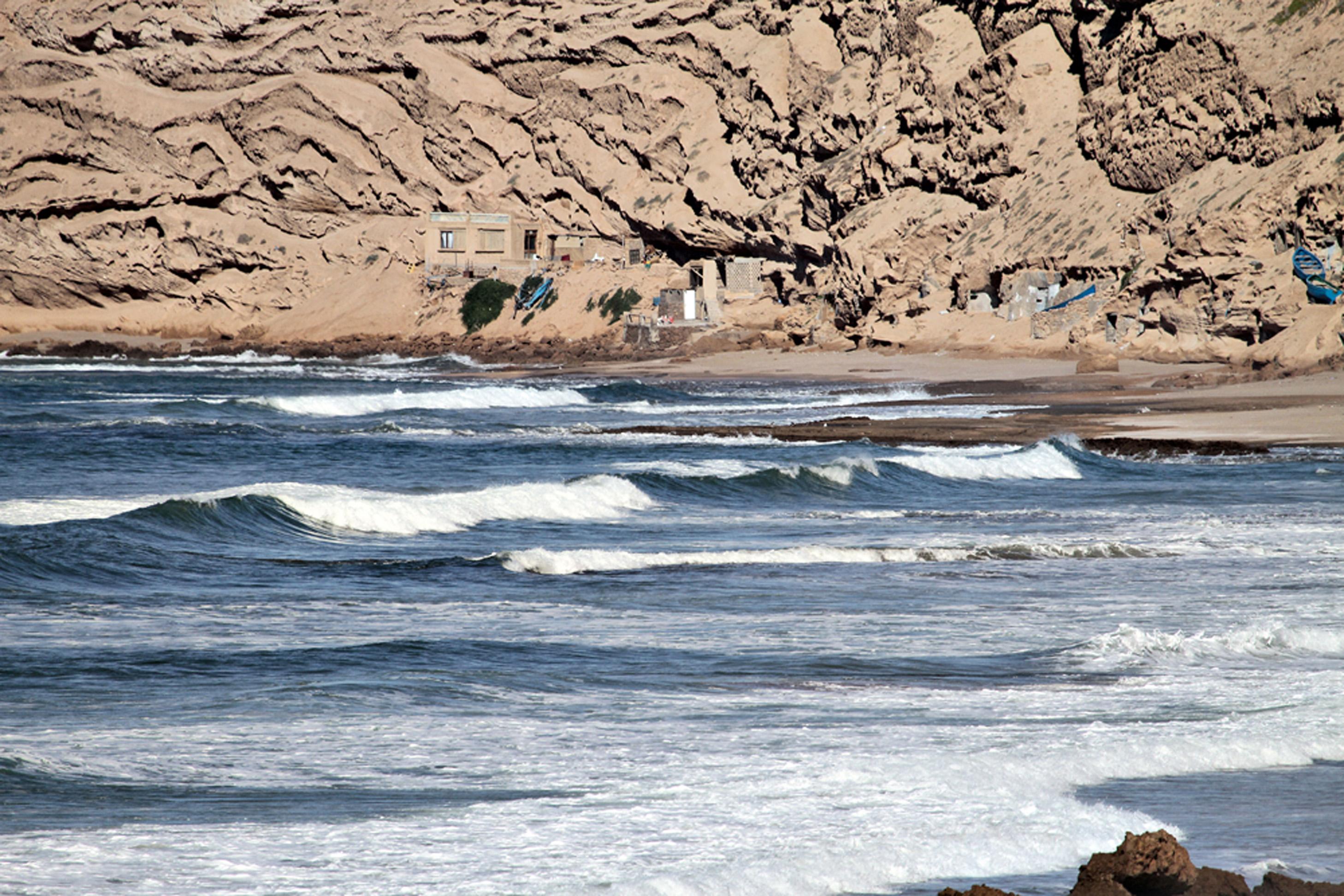 Marrocos: Por que ir? Lá vou atrás do que me alimenta: diversão, desafio e aventura.  Aonde ir? Fazendo uma trilha de 4x4 pela costa oeste do país, você encontra paz nas areias a perder de vista e um pôr do sol iluminado.