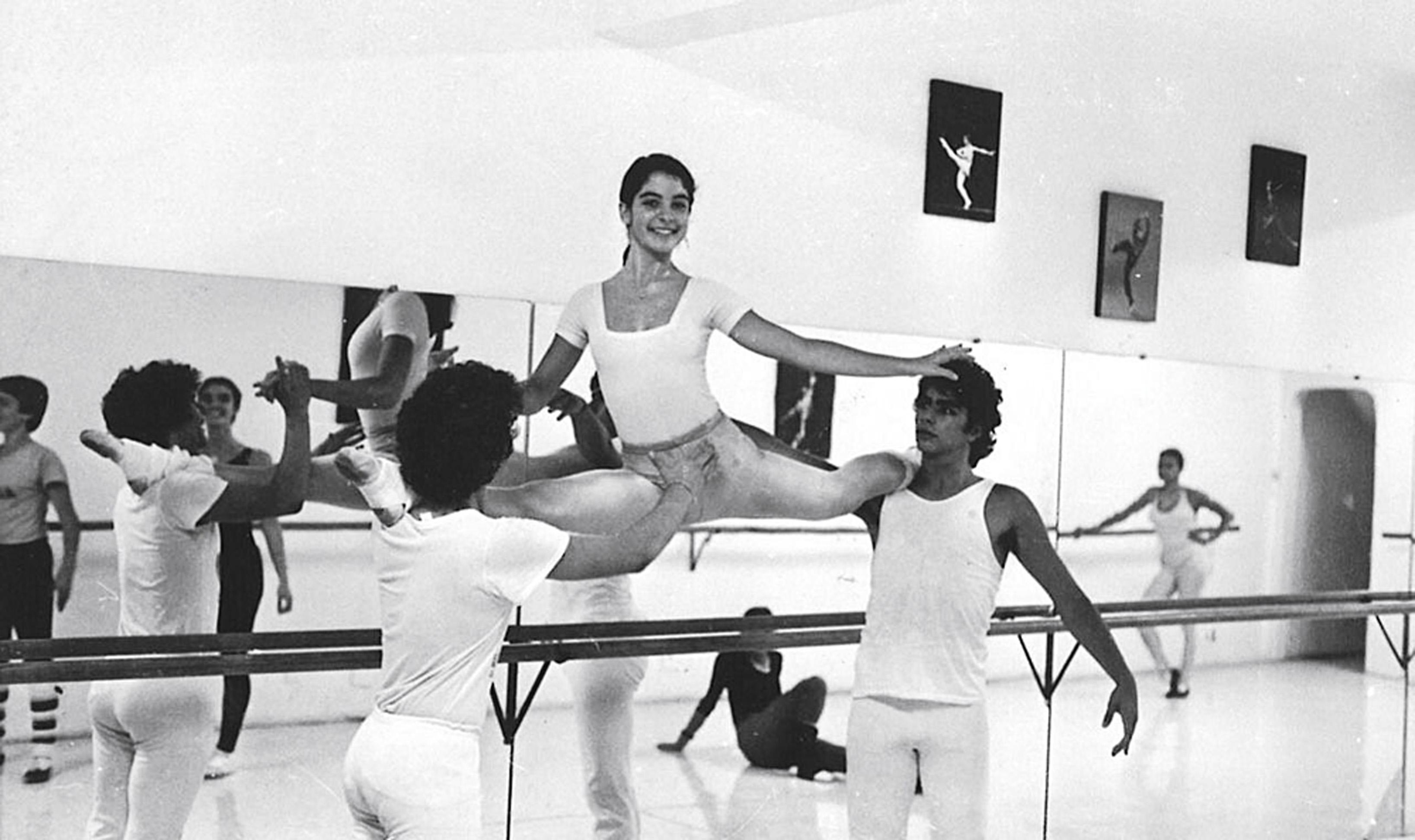 Aos 14, fazendo aula de balé, em Brasília