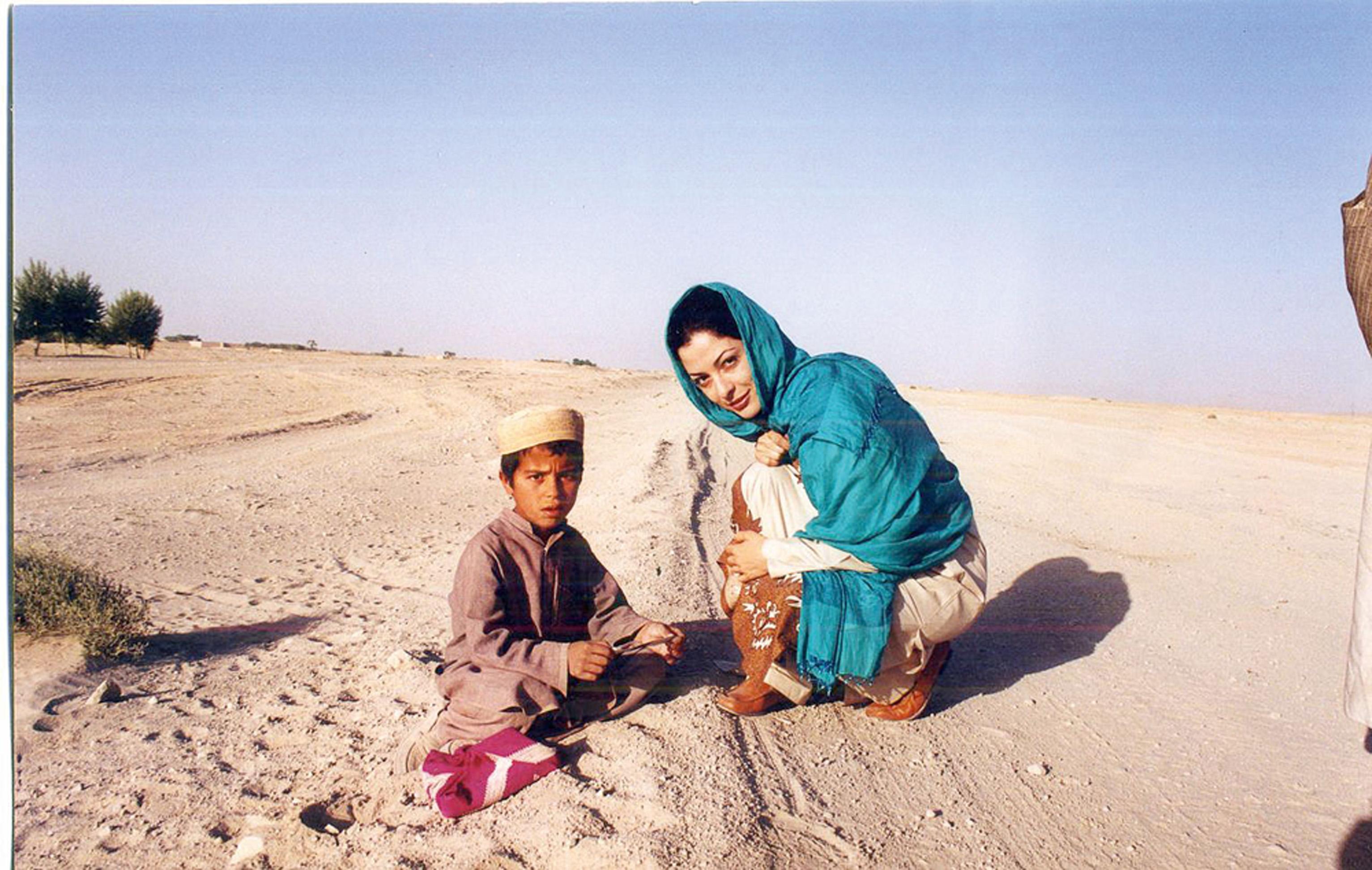 Em 2000, no Afeganistão, com menino que nunca tinha visto uma mulher sem burca