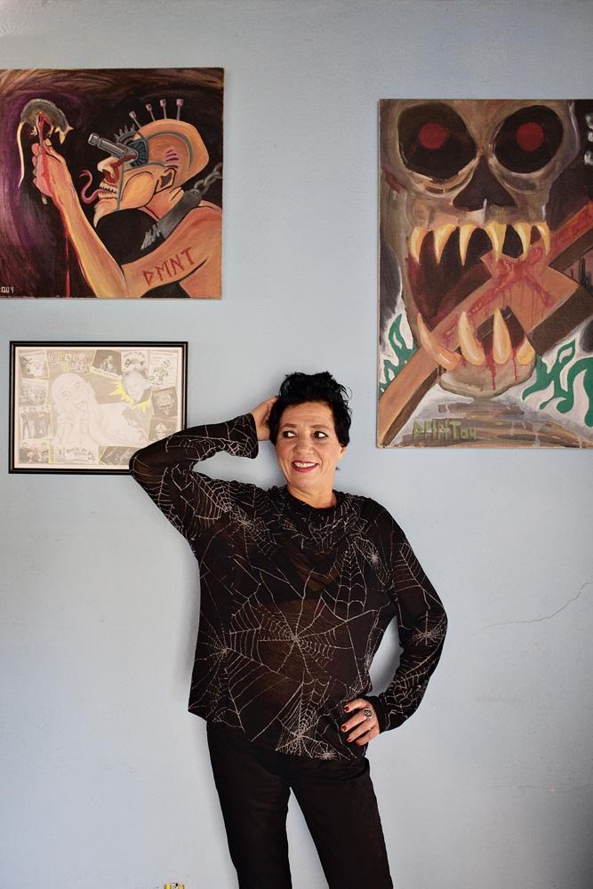 A pedido da Tpm, Tina reproduz a pose da foto publicada na revista Around, em 1986