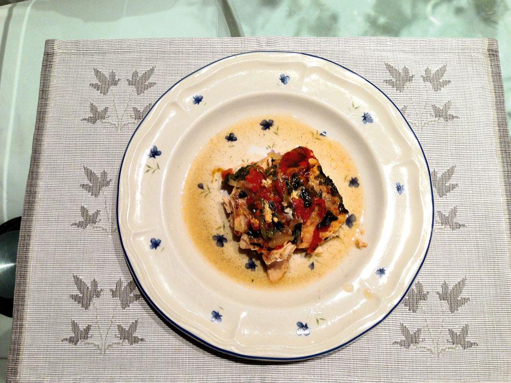 """As cinco imagens mostram o que a jornalista Glória Maria costuma comer durante um dia inteiro. Mas ela jura que faz concessões: """"Quando vou a um restaurante japonês, não fico só de duplinha de salmão, não"""""""