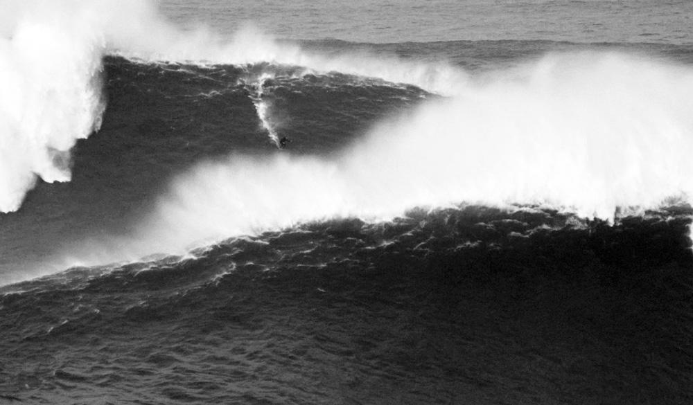 """Descendo a onda fatal: """"Se eu morresse, teria sido uma lição. Não é possível enfrentar um mar como aquele apenas com colete e jet"""""""