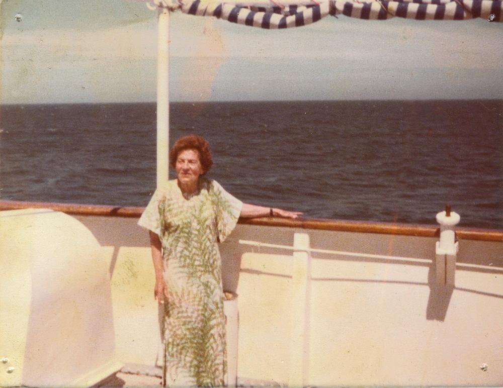 A avó Maria, a primeira mulher a cursar faculdade de direito no Brasil, influenciou o estilo das mulheres da família