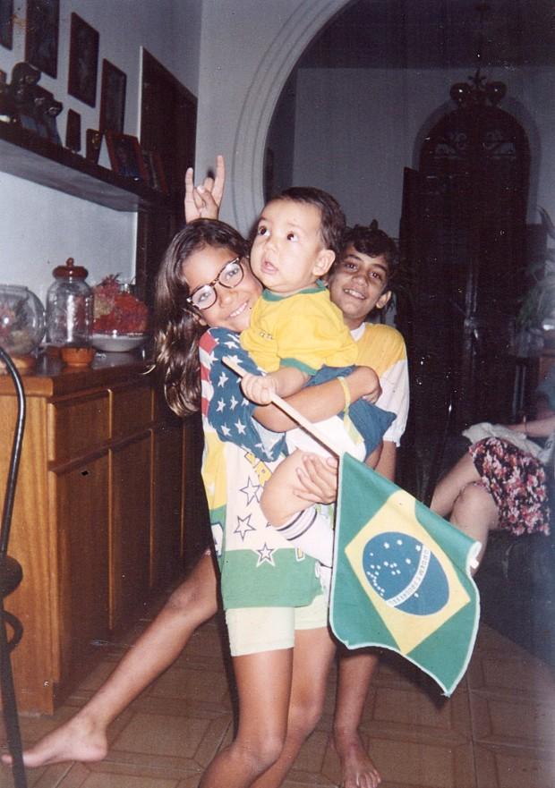 No clima da Copa do Mundo de 1994 com o irmão, Luíz Neto e Silvio Júnior, o caçula