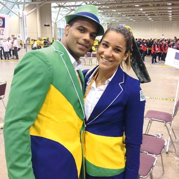 Joanna ao lado do namorado, o judoca Luciano Corrêa, no Pan de Toronto