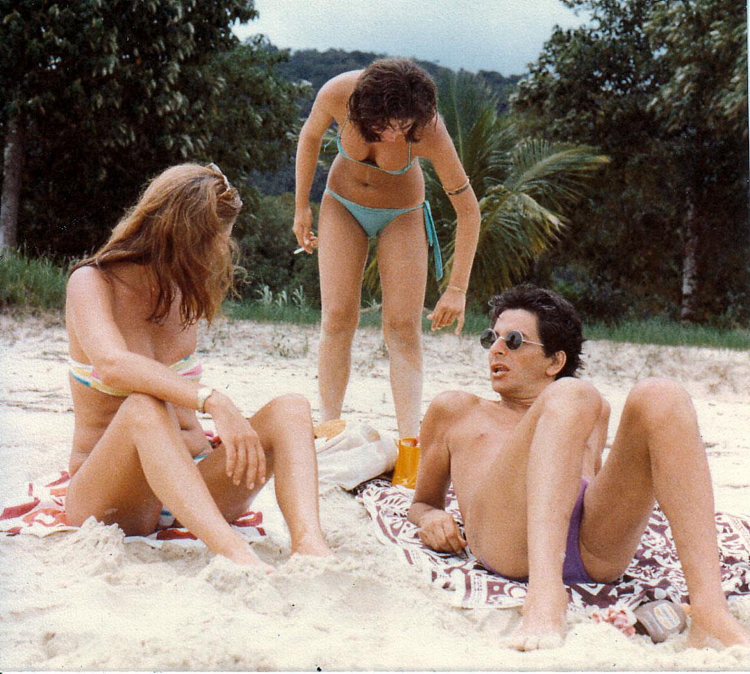 Com a mãe, Celina, e Fernando Gabeira