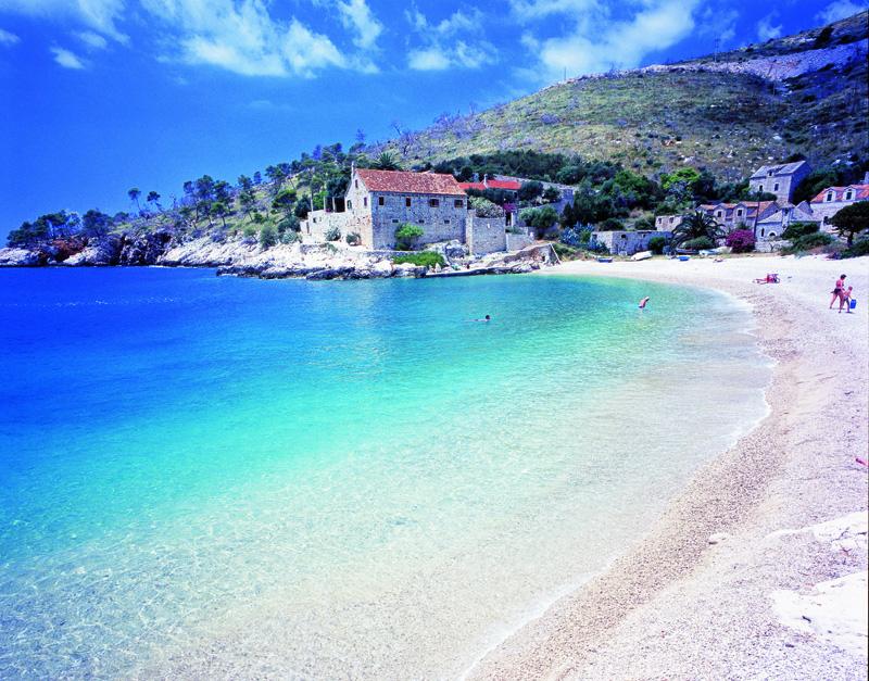 Praia em Hvar, o paraíso na terra
