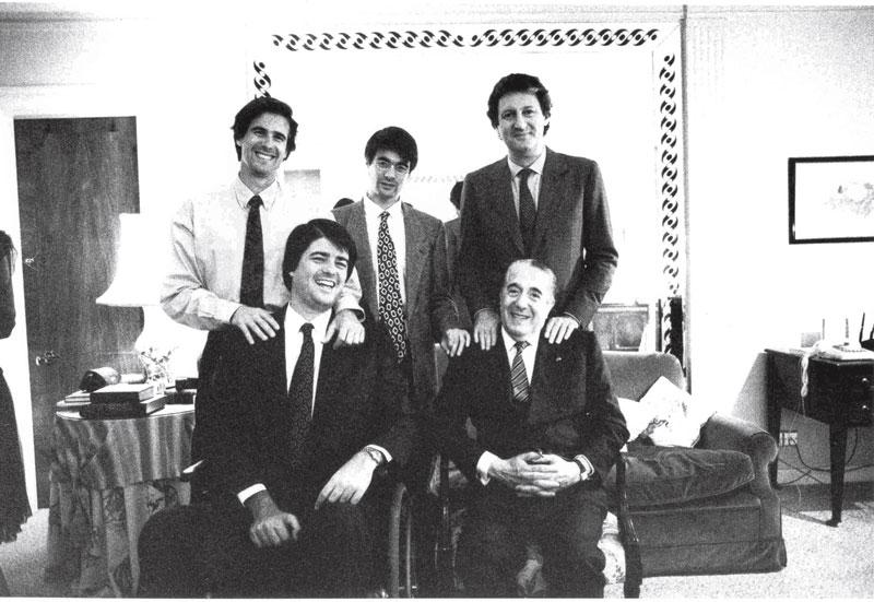 Família reunida: em pé, Waltinho, João e Fernando. Em frente, o pai, Walter e Pedro