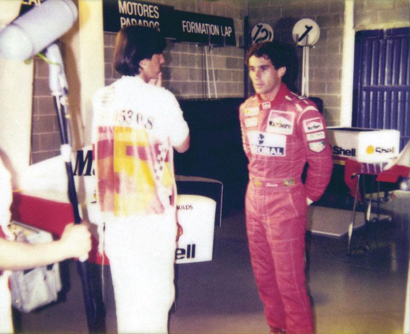 Com Ayrton Senna, ídolo máximo de uma de suas maiores paixões