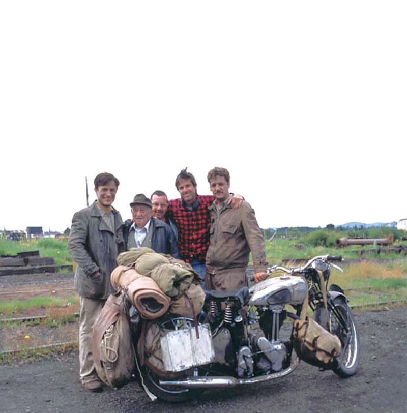 Com Gael Garcia Bernal, Alberto Granado e elenco de Diários de Motocicleta