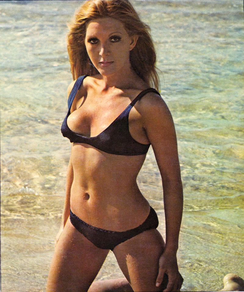 Garota de praia, em ensaio para a revista Manchete