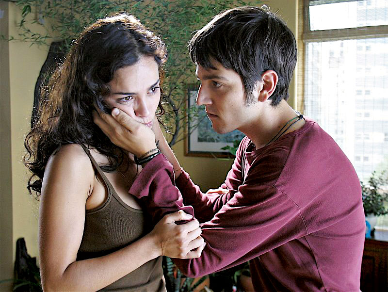 Com Diego Luna em Só Deus Sabe (2006)