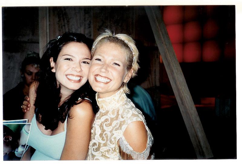 Com a amiga Xuxa, a quem deu uma das raras entrevistas durante a gravidez, em 1999