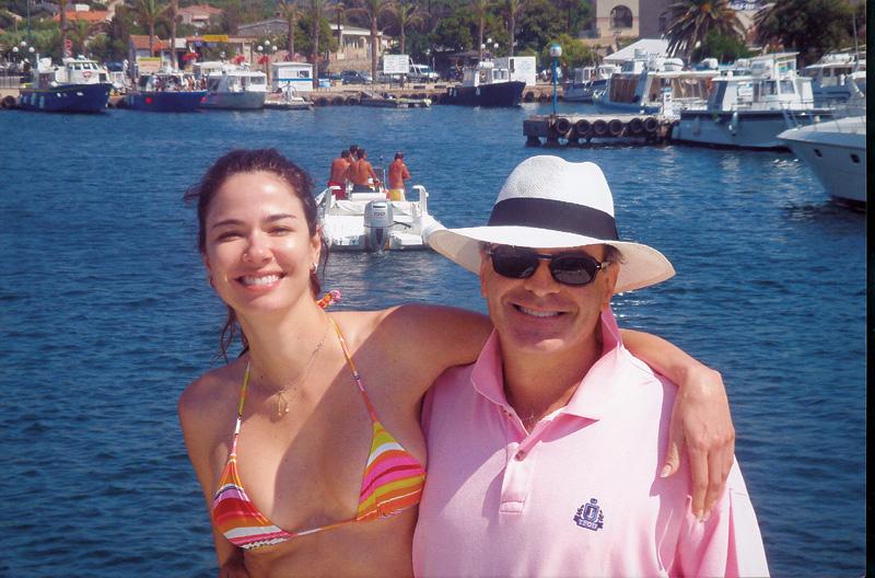 """Com o marido e patrão, Marcelo de Carvalho, um dos donos da RedeTV!, na lua de mel na Itália, em 2006: """"Casei por amor.Cafona, né?"""""""