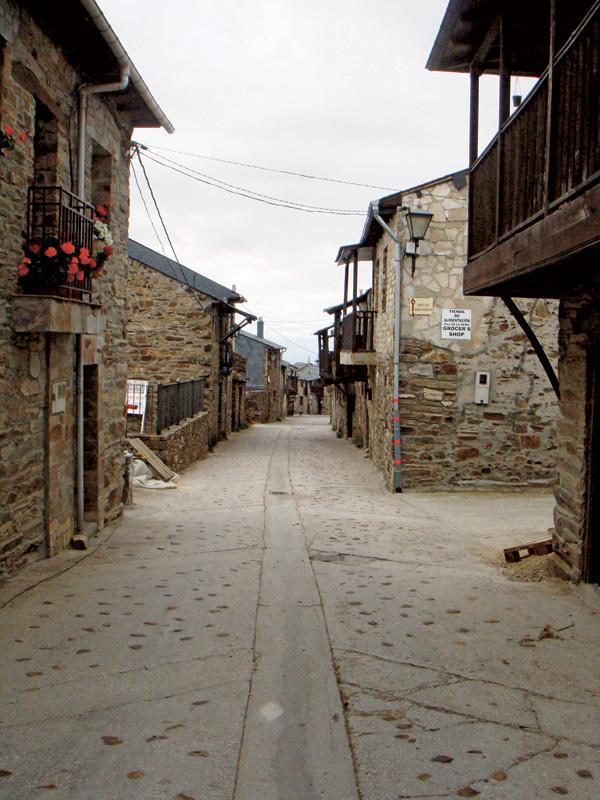 El Acebo, cidadezinha pelo caminho
