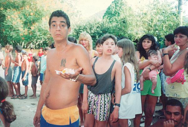 Anos atrás, em Xerém, em uma festa de Cosme e Damião