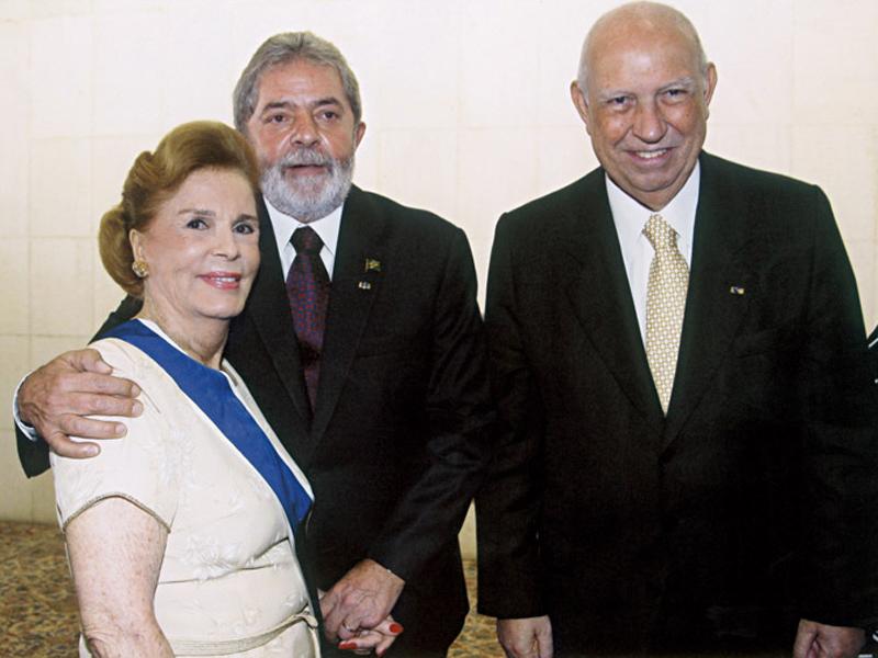 em março do ano passado, com Lula e José Alencar, ao receber uma homenagem