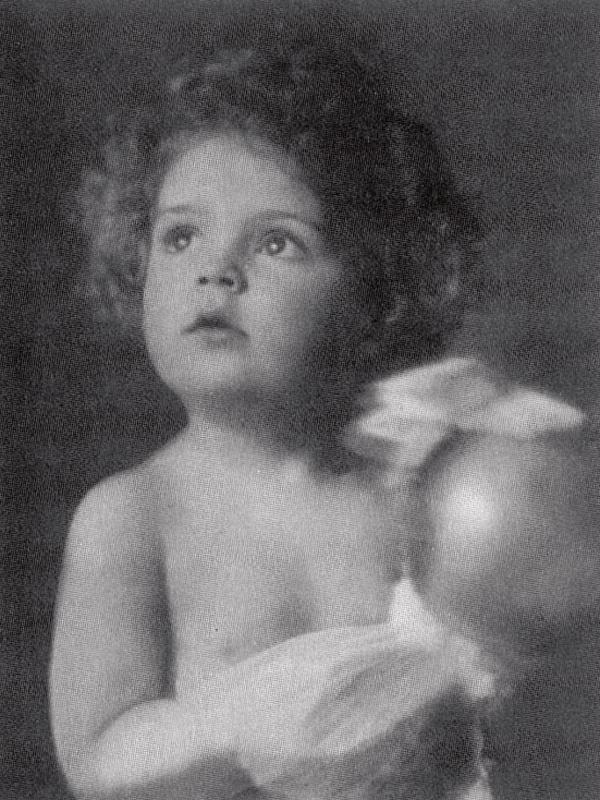 """Com 1 ano e meio, na Alemanha: """"Minha mãe dizia que eu tinha aparência de anjo"""""""