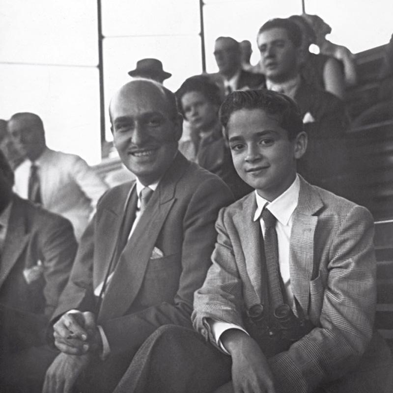 Horácio, seu primeiro marido, e Horacinho, aos 14 anos, no Jockey Club do Rio de Janeiro