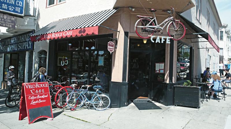 A fachada do Velo Rouge Cafe