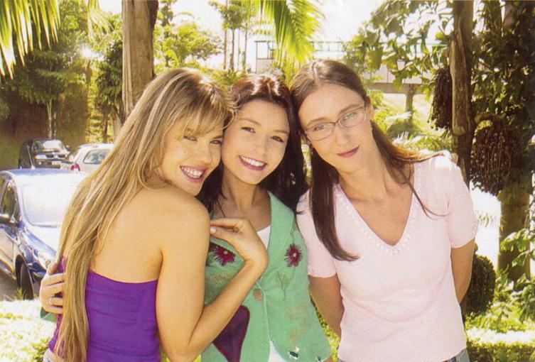 Nas gravações da novela Cristal, com a amiga Bianca Castanho e a atriz Sabrina Greve